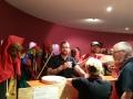Narrenfreunde aus Sachsenheim sorgen für den Schnaps nach dem Essen